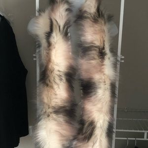 Mossimo Supply Co faux fur scarf/wrap